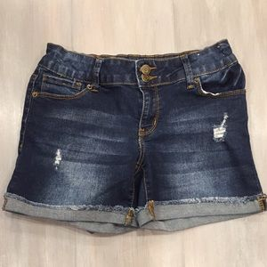 MUDD Girls Midi Distressed Jean Shorts